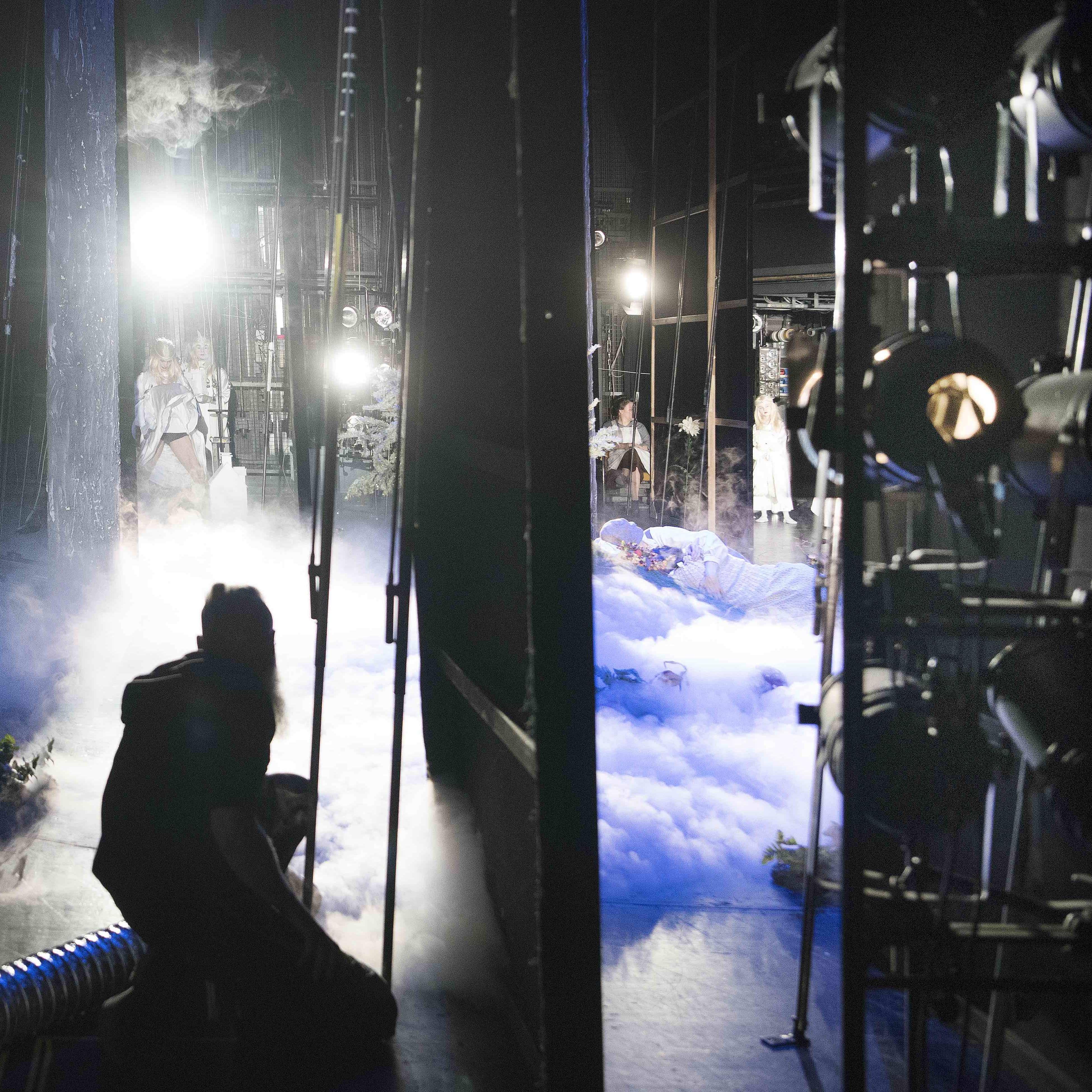 Theater Mitarbeiter Hinter der Bühne Beitragsbild