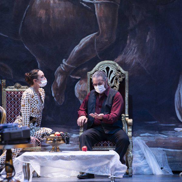 Staatstheater Cottbus MAZEPPA Oper in drei Akten von Pjotr I. Tschaikowski Szenenfoto mit Kim-Lillian Strebel (Maria) und Andreas Jäpel (Mazeppa) (Foto: Marlies Kross)