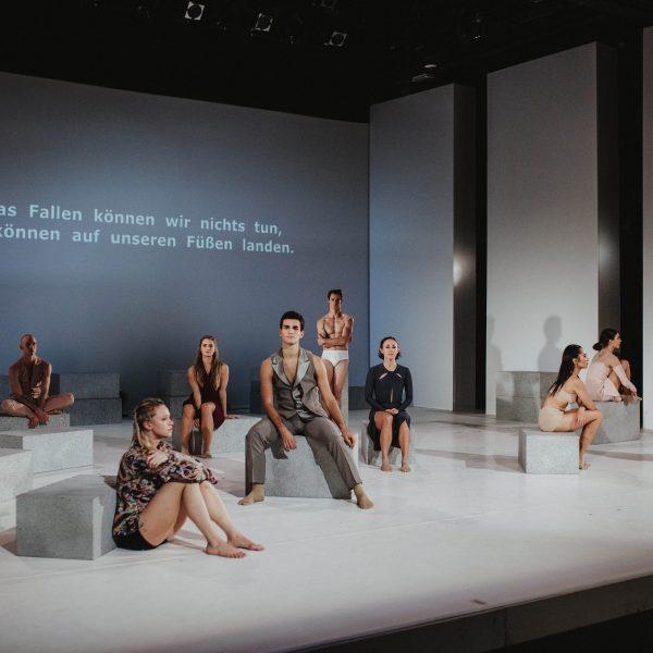 Staatstheater Cottbus NUR EIN WIMPERNSCHLAG ... Ballettabend von Oliver Preiß   Uraufführung Szenenfoto (Foto: Claudia Bernhard)