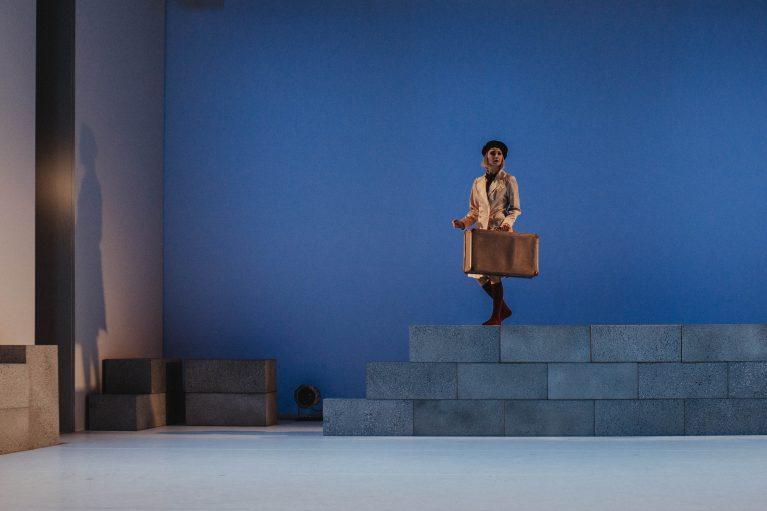 Staatstheater Cottbus NUR EIN WIMPERNSCHLAG ... Ballettabend von Oliver Preiß | Uraufführung Szenenfoto mit Andrea Masotti (Foto: Claudia Bernhard)