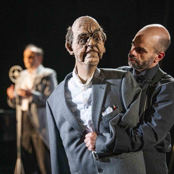 Staatstheater Cottbus Uraufführung ... MEIN GANZES HERZ Ein biografisch-musikalischer Abend für Fritz Löhner-Beda Szenenfoto mit Patric Seibert-Wolf (Foto: Marlies Kross)